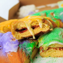 Gambino's Traditional King Cake with icing on side